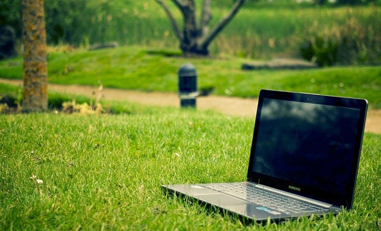 Notebook und Sommer