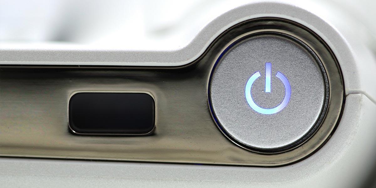 Erzwingen Sie einen Neustart durch langes Gedrückthalten des Power Buttons
