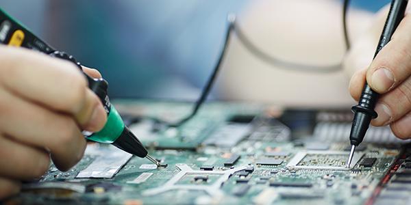 Ladebuchse von Lenovo Tablet wird repariert